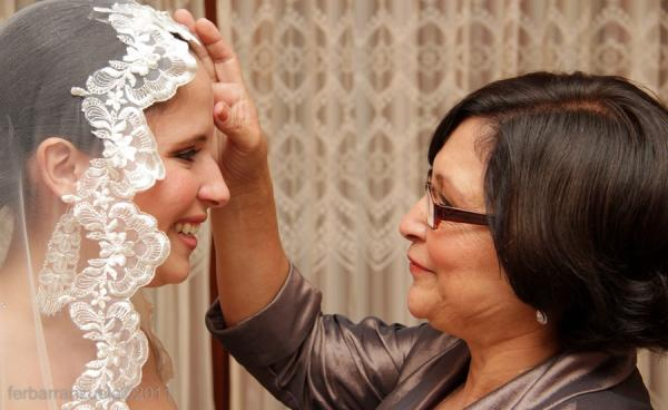 hairstyle-bride-mom