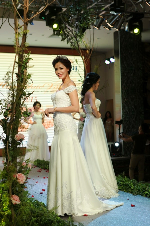 Dau-an-Marry-wedding-day-Hai-Phong-2015-34
