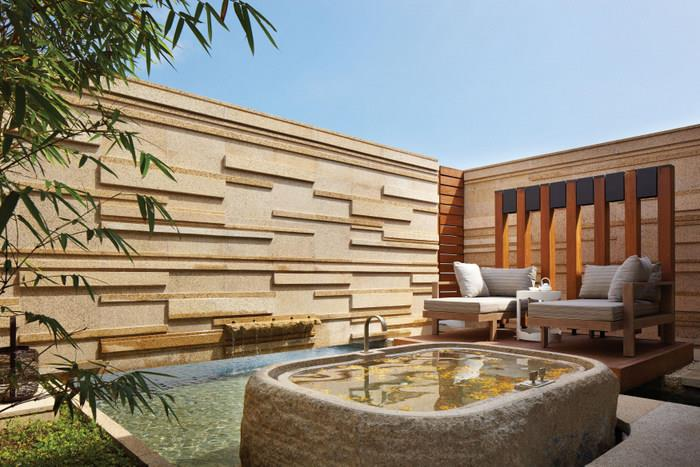 hyatt-regency-danang-resort-spa