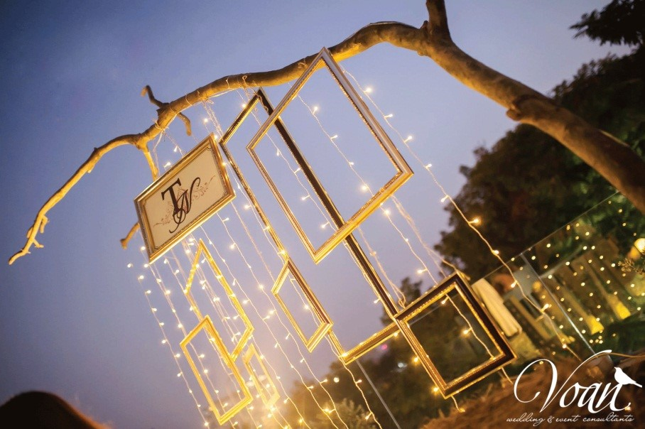 Lighting wedding concept