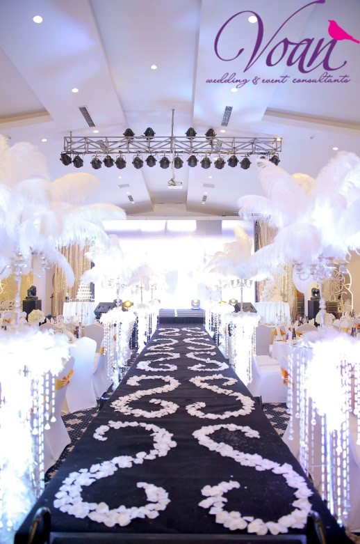 The ivory White Wedding Concept