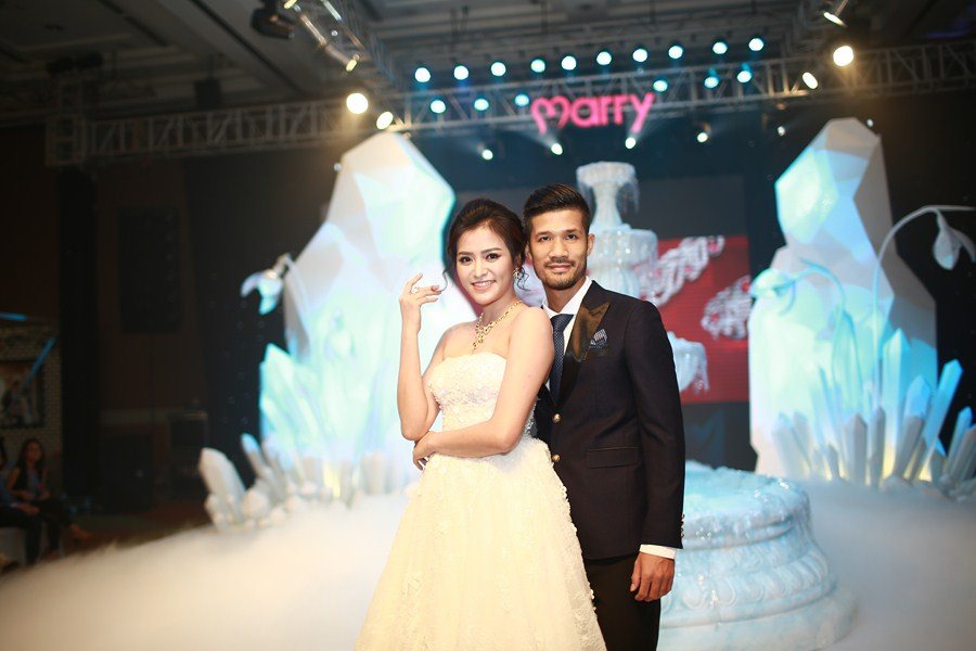 marry-wedding-day-ha-noi-2016-giot-yeu-dem-gala-38