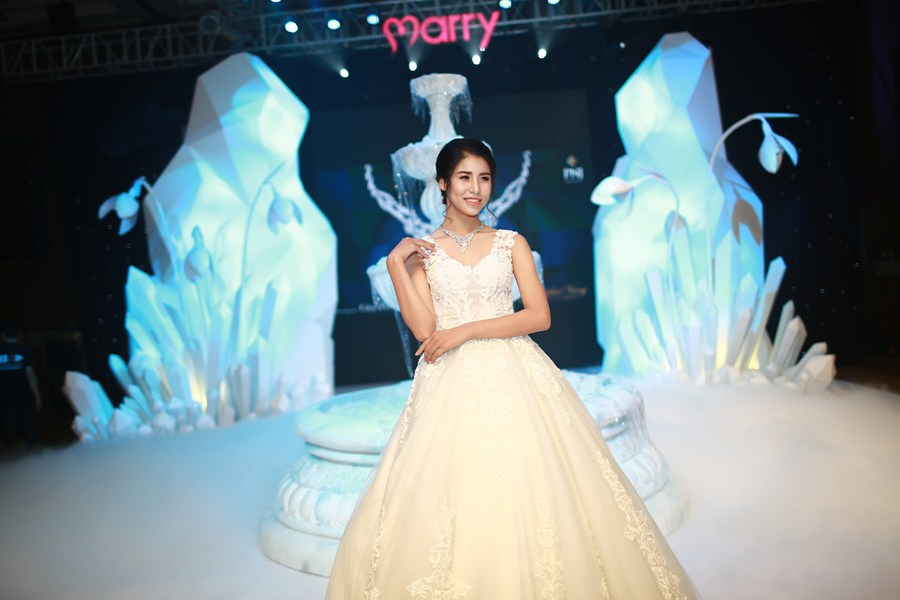 marry-wedding-day-ha-noi-2016-giot-yeu-dem-gala-12