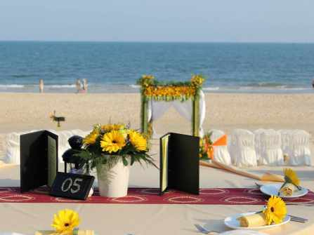 Beach Wedding at Anantara Mui Ne - Sunflower theme