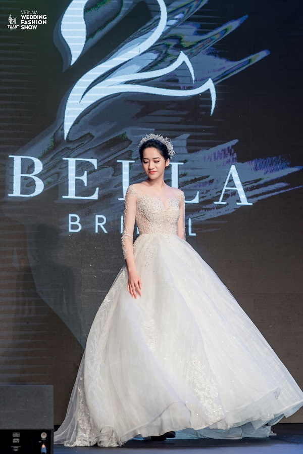 Vietnam Wedding fashion show (1 (3)