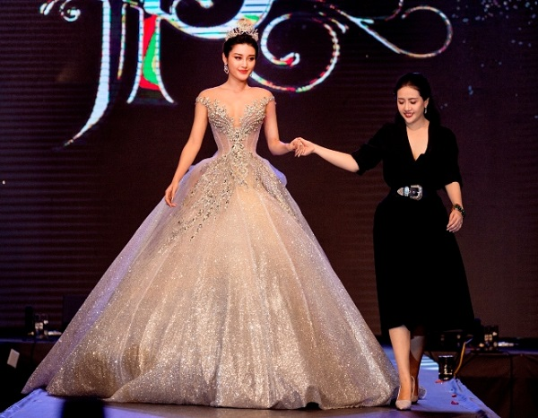 Vietnam Wedding fashion show (4)
