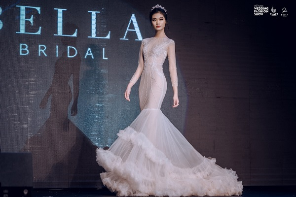 Vietnam Wedding fashion show (7)