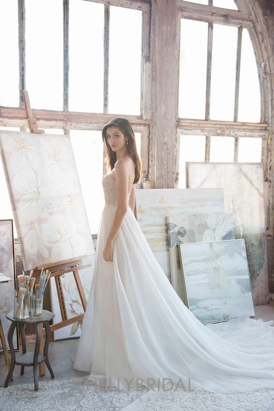 SHELLY STUDIO & BRIDAL -