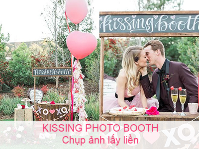 Kissing Photo Booth